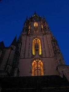 Frankfurter Dom in lauer Sommernacht cc Wedernoch